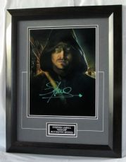 "A98SAA STEPHEN AMELL - ""ARROW"" SIGNED"